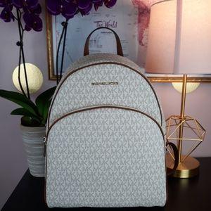 ❗SALE ❗NWT Michael Kors LG Abbey Vanilla Backpack